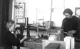 Laboratorio-Marie e Irene Curie